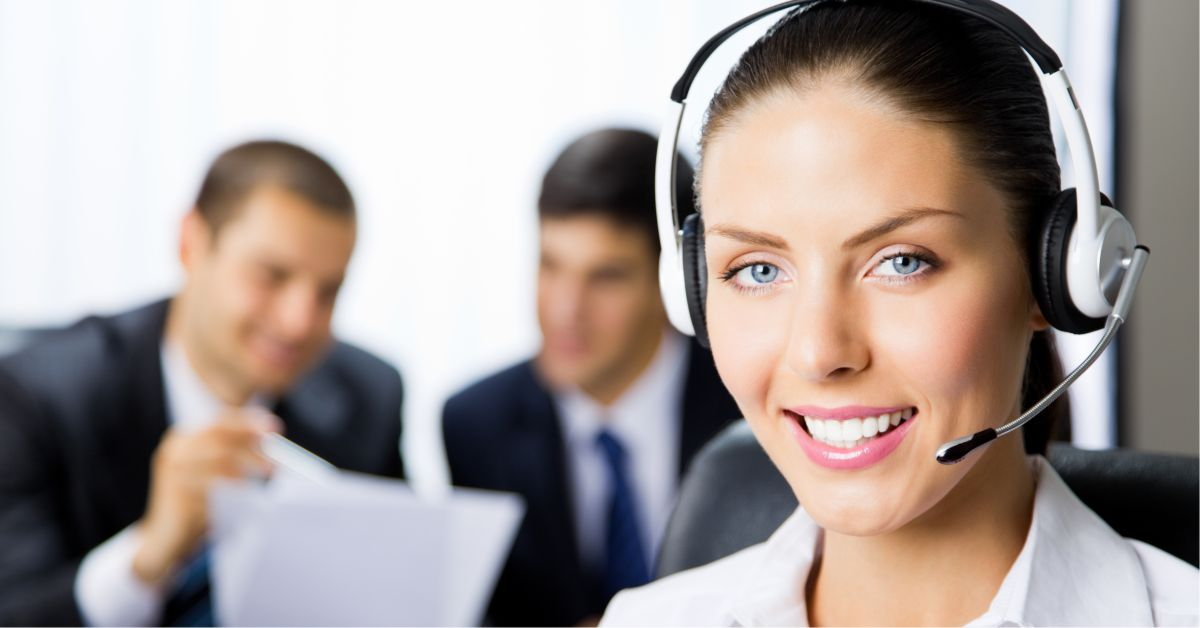 What Are The Differences Between Virtual Receptionist and 24/7 Messages?